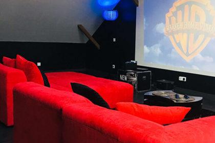 salle de cinémaAPPART SPA 21 de Dijon votre appartement privé de luxe avec salle de cinéma, spa et sauna appartement privé de luxe appartspa21 Dijon